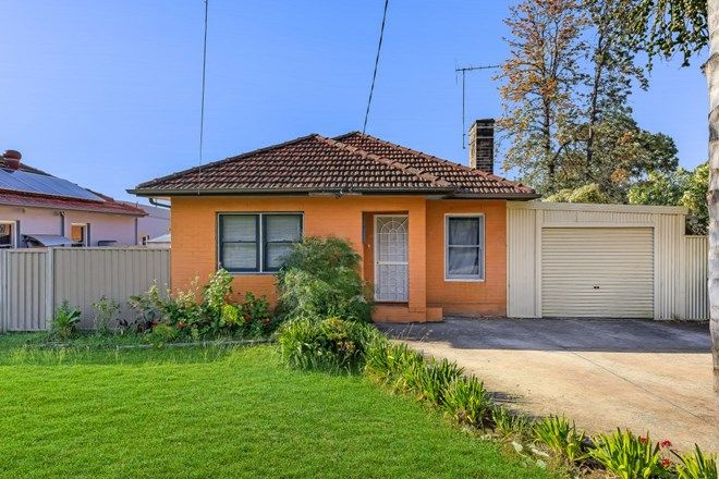 Picture of 5 Rawton Avenue, NORTHMEAD NSW 2152