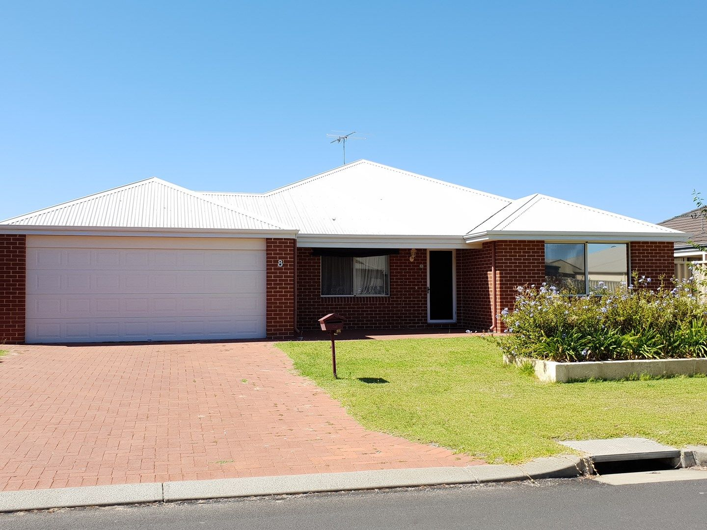 8 Darter Street, Broadwater WA 6280, Image 0