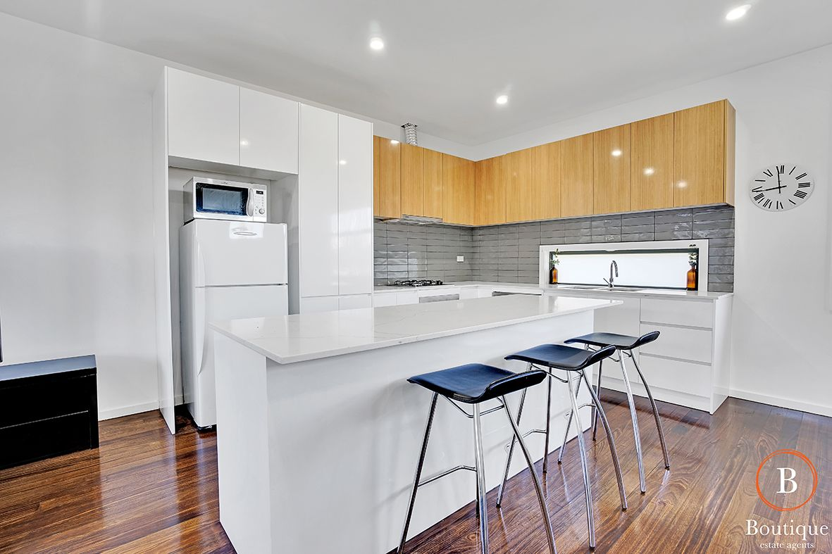 4/29 Collier Court, Strathmore Heights VIC 3041, Image 2