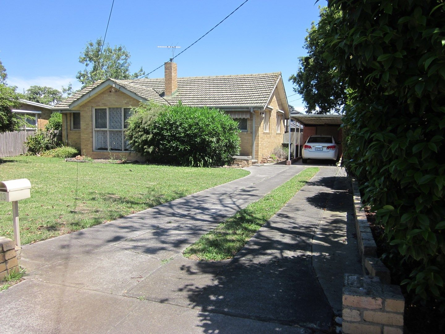 13 Longbourne Avenue, Notting Hill VIC 3168, Image 0