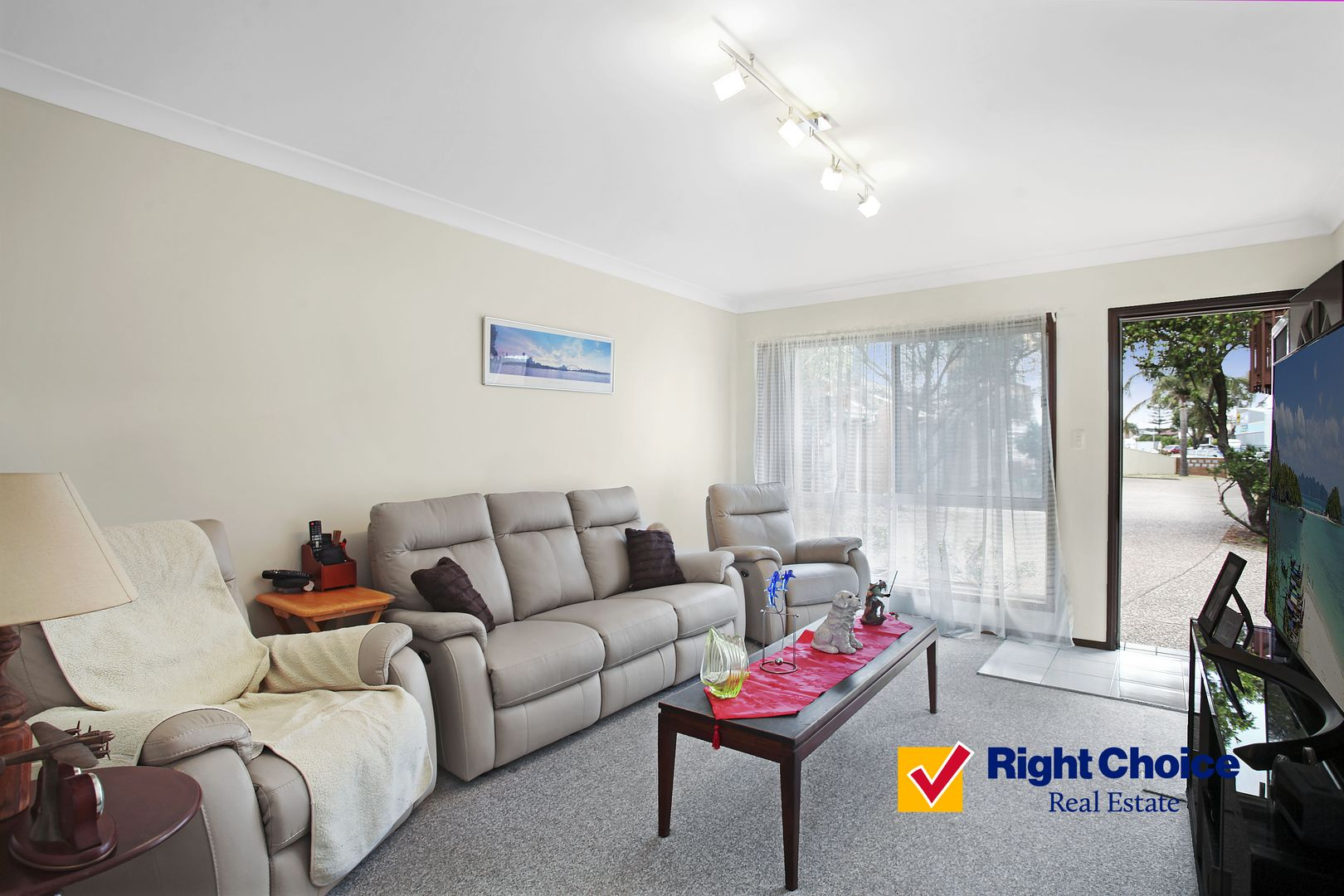 6/5 Commerce Drive, Lake Illawarra NSW 2528, Image 2