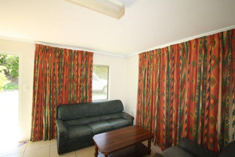 2/67 Burnett Street, Mundubbera QLD 4626, Image 0