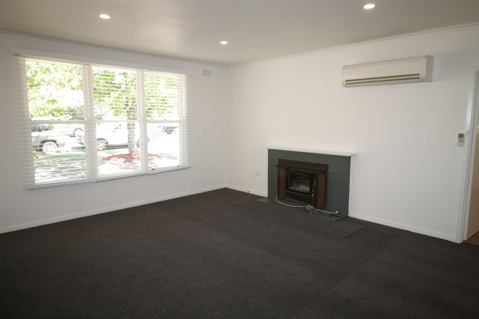 1 Curia Street, Mansfield VIC 3722, Image 2