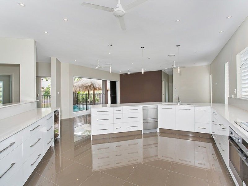 11 Silver Cres, Palm Cove QLD 4879, Image 1