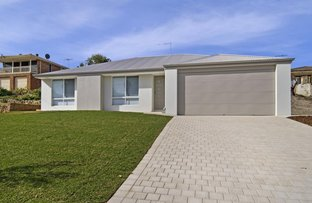Picture of 8 Kelly Street, Silver Sands WA 6210