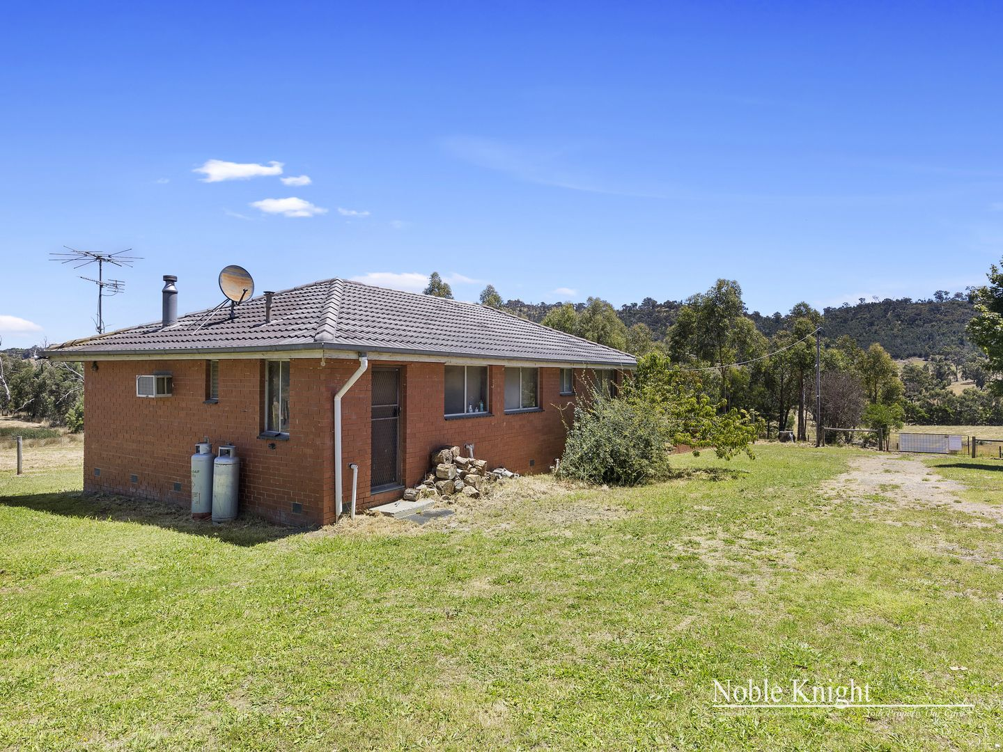 240 Long Gully Road, Healesville VIC 3777, Image 1