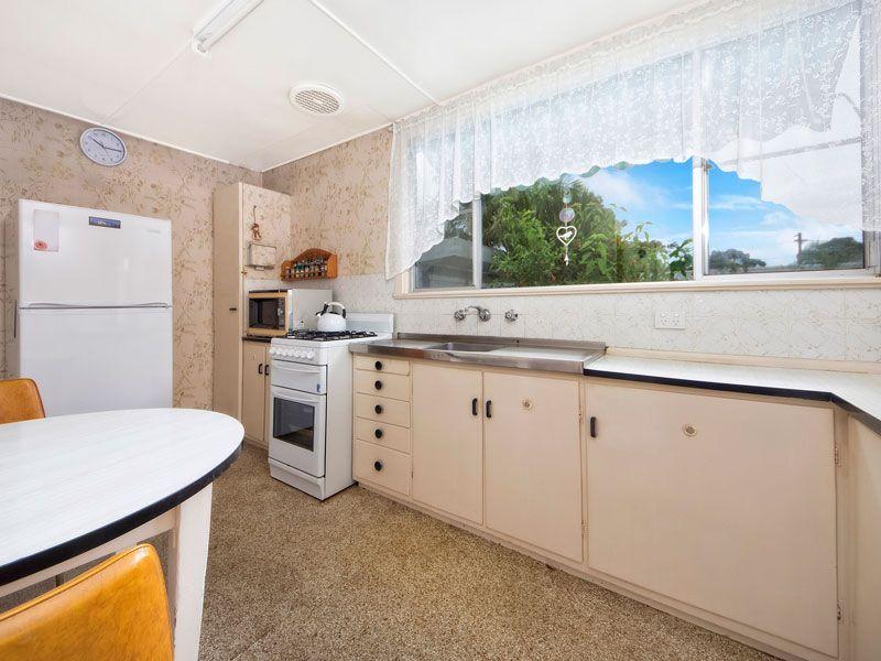 5 Durbar Avenue, KIRRAWEE NSW 2232, Image 2