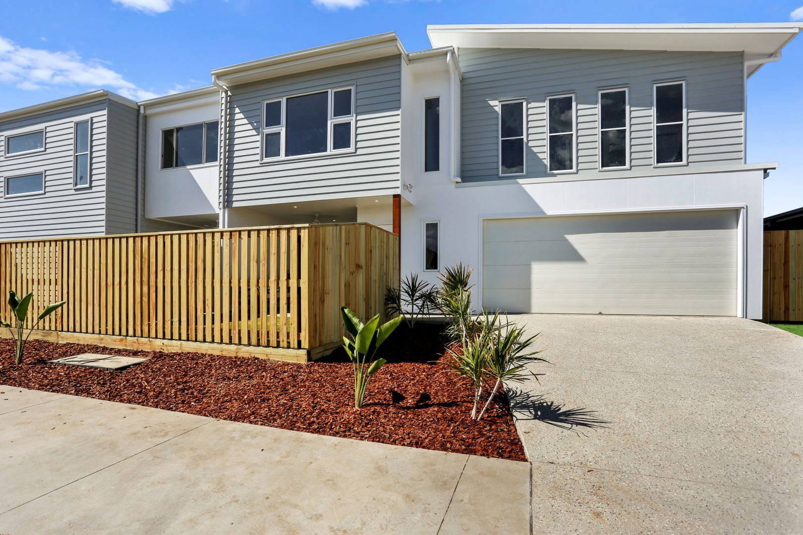 1 and 2/28 Sunray Avenue, Palmview QLD 4553, Image 0