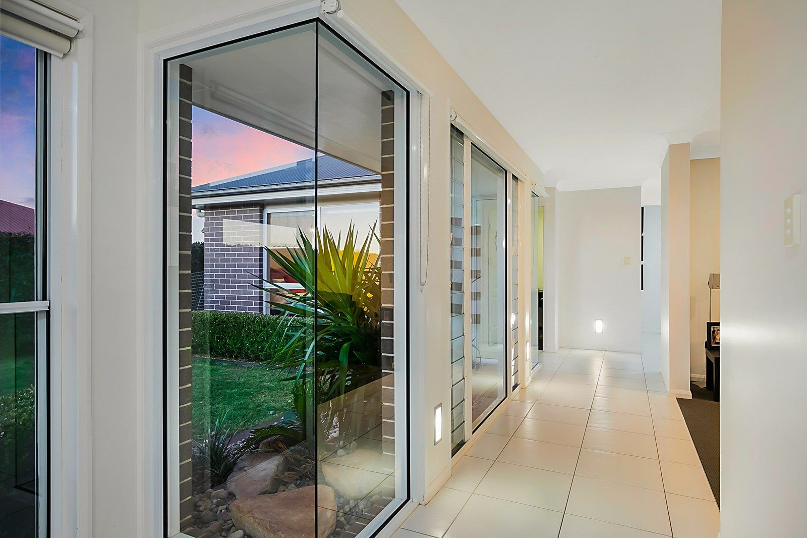 23 Barton Street, Middle Ridge QLD 4350, Image 2