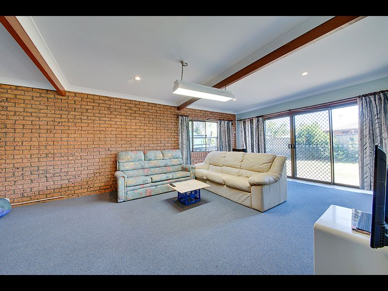 7 Barracuda Crescent, Lammermoor QLD 4703, Image 2