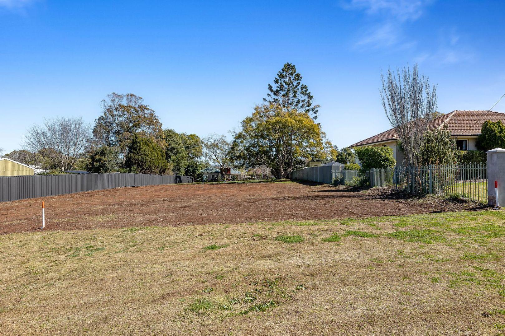 3A New Street, Mount Lofty QLD 4350, Image 1