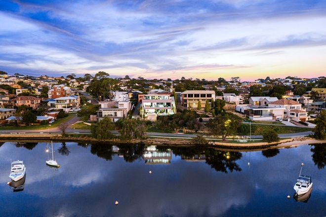Picture of 20 Blackwall Reach Parade, BICTON WA 6157