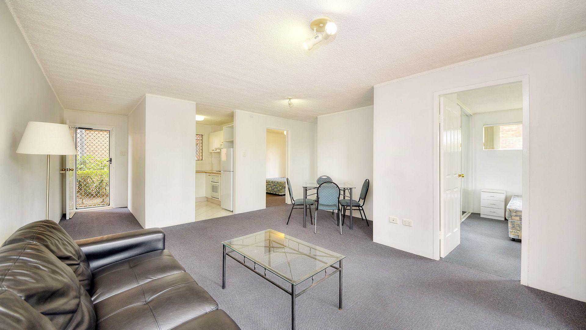 2/45 Karbunya Street, Mermaid Waters QLD 4218, Image 1