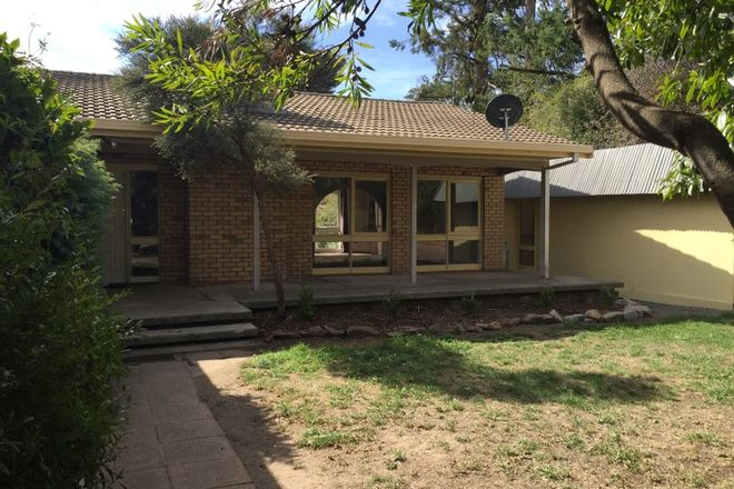 Picture of 2/23 Savages Lane, WOODEND VIC 3442
