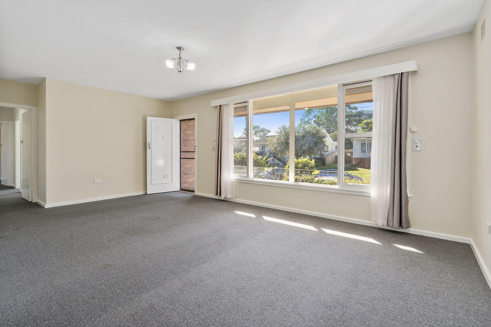 4 Cockburn Crescent, Fairfield East NSW 2165, Image 2