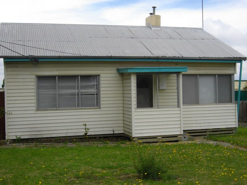 12 Booth Street, Morwell VIC 3840, Image 2