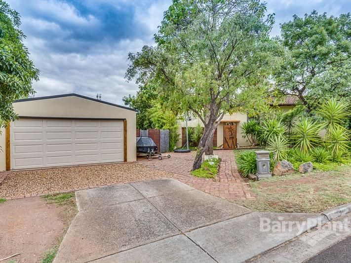 8 Leicester Crescent, Melton VIC 3337, Image 0