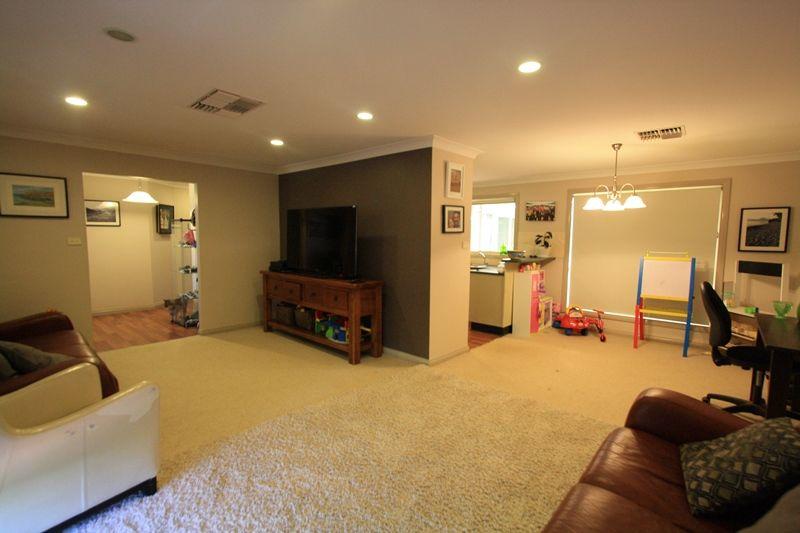 31 Nullamut Street, Cobar NSW 2835, Image 1