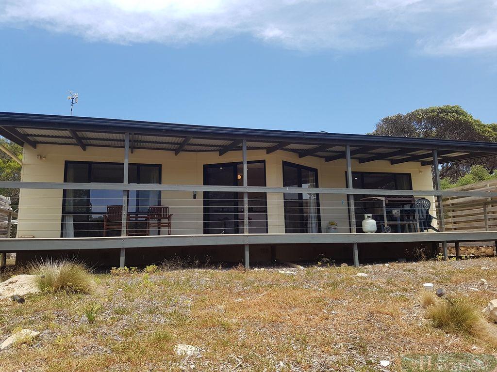 4 Flinders Road, Vivonne Bay SA 5223, Image 1