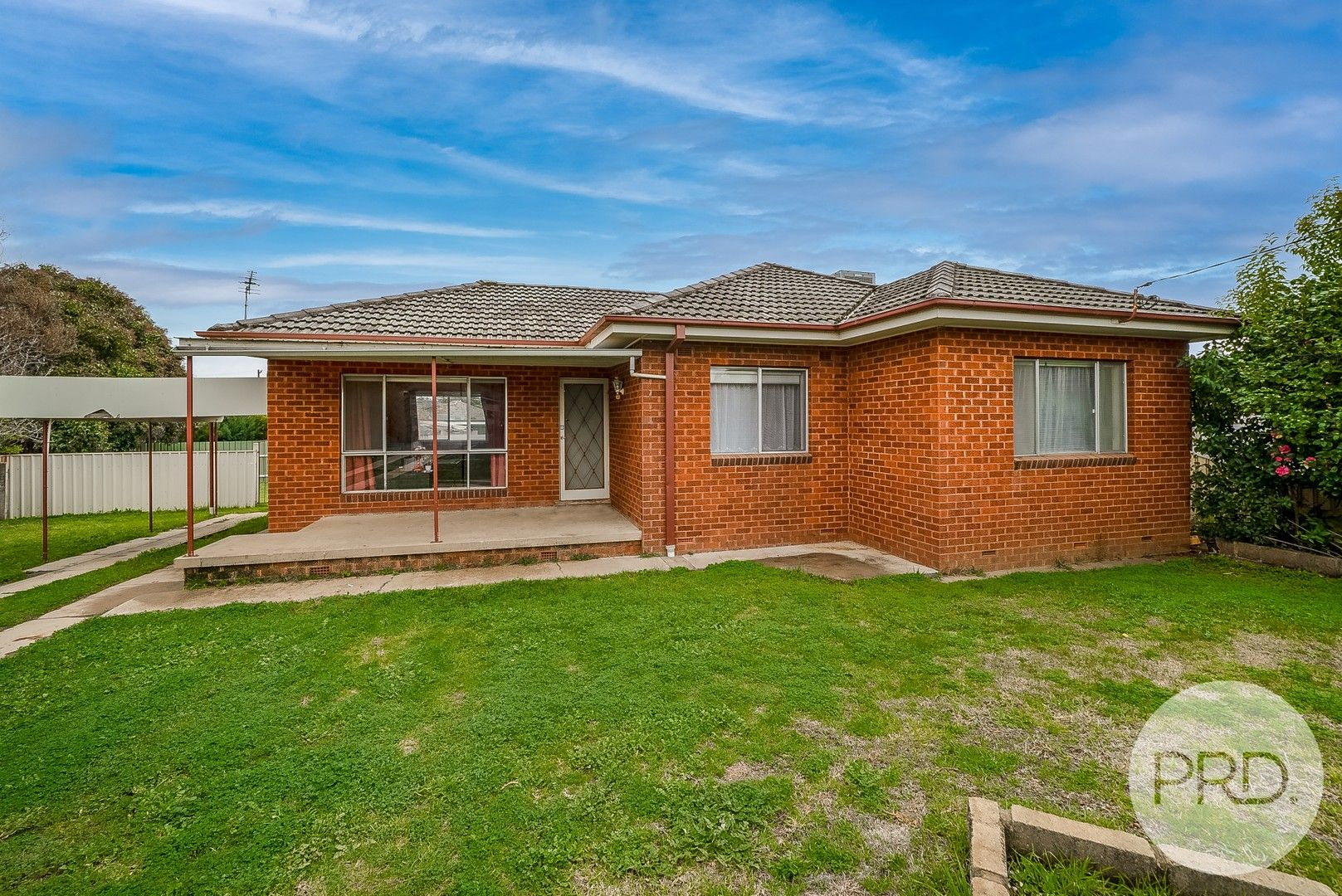 11 Bungown Place, Mount Austin NSW 2650, Image 0