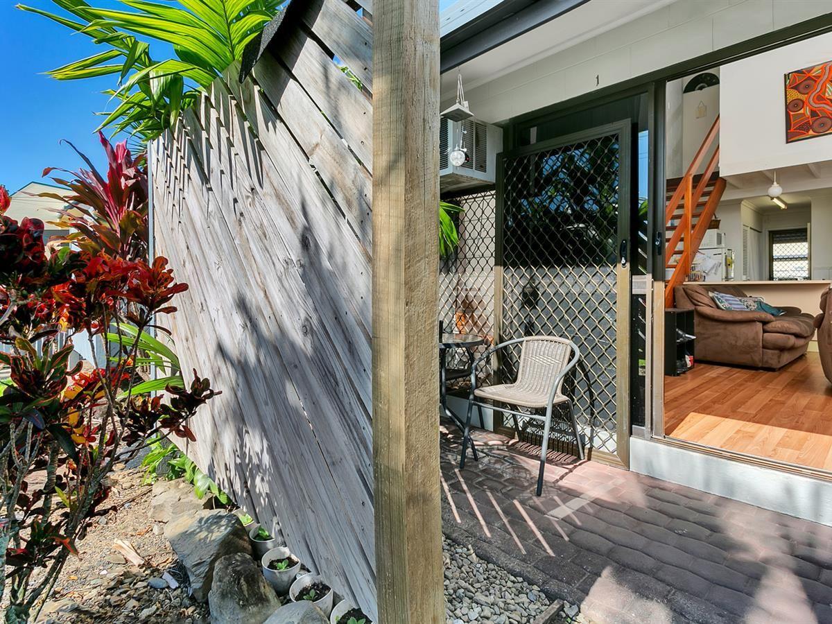 1/10 Maytown Cl, Manoora QLD 4870, Image 2