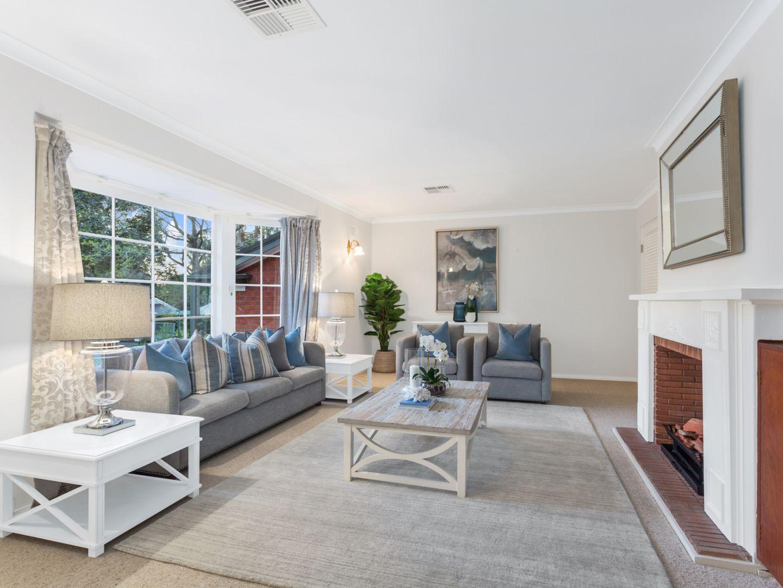 9 Karoom Ave, St Ives NSW 2075, Image 2