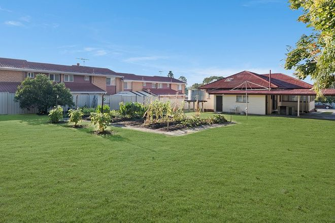 Picture of 19 Buna Street, BEENLEIGH QLD 4207