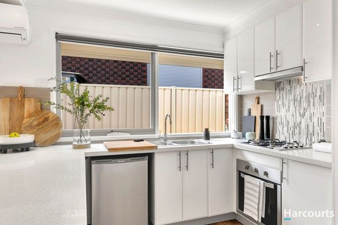 Picture of 1/3 Redbank Court, KINGS PARK VIC 3021