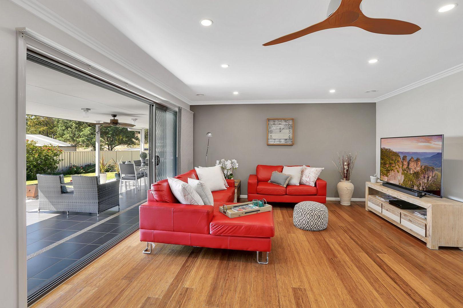 10 Munjowee Circle, Lithgow NSW 2790, Image 1
