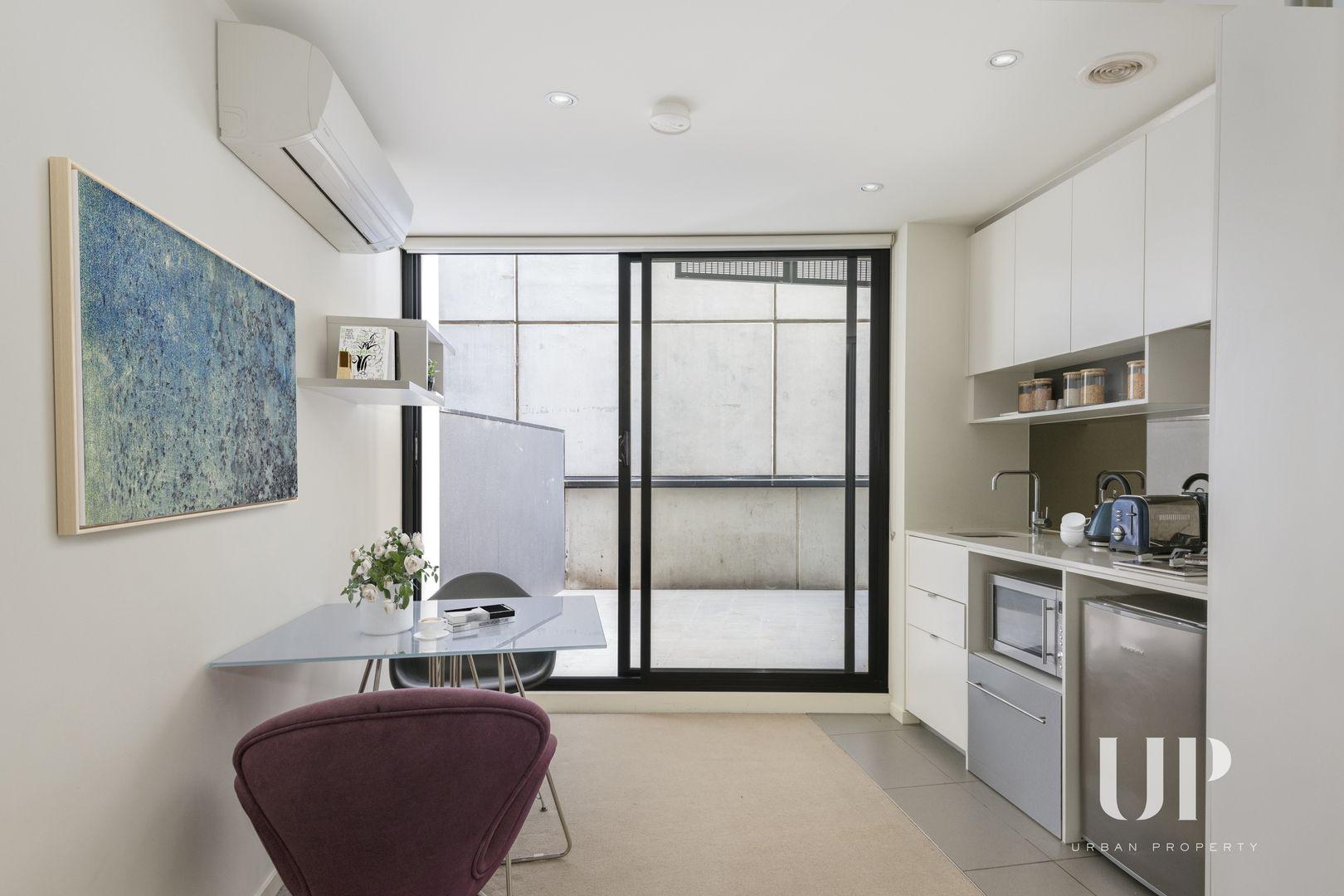1203/243 Franklin Street, Melbourne VIC 3000, Image 2