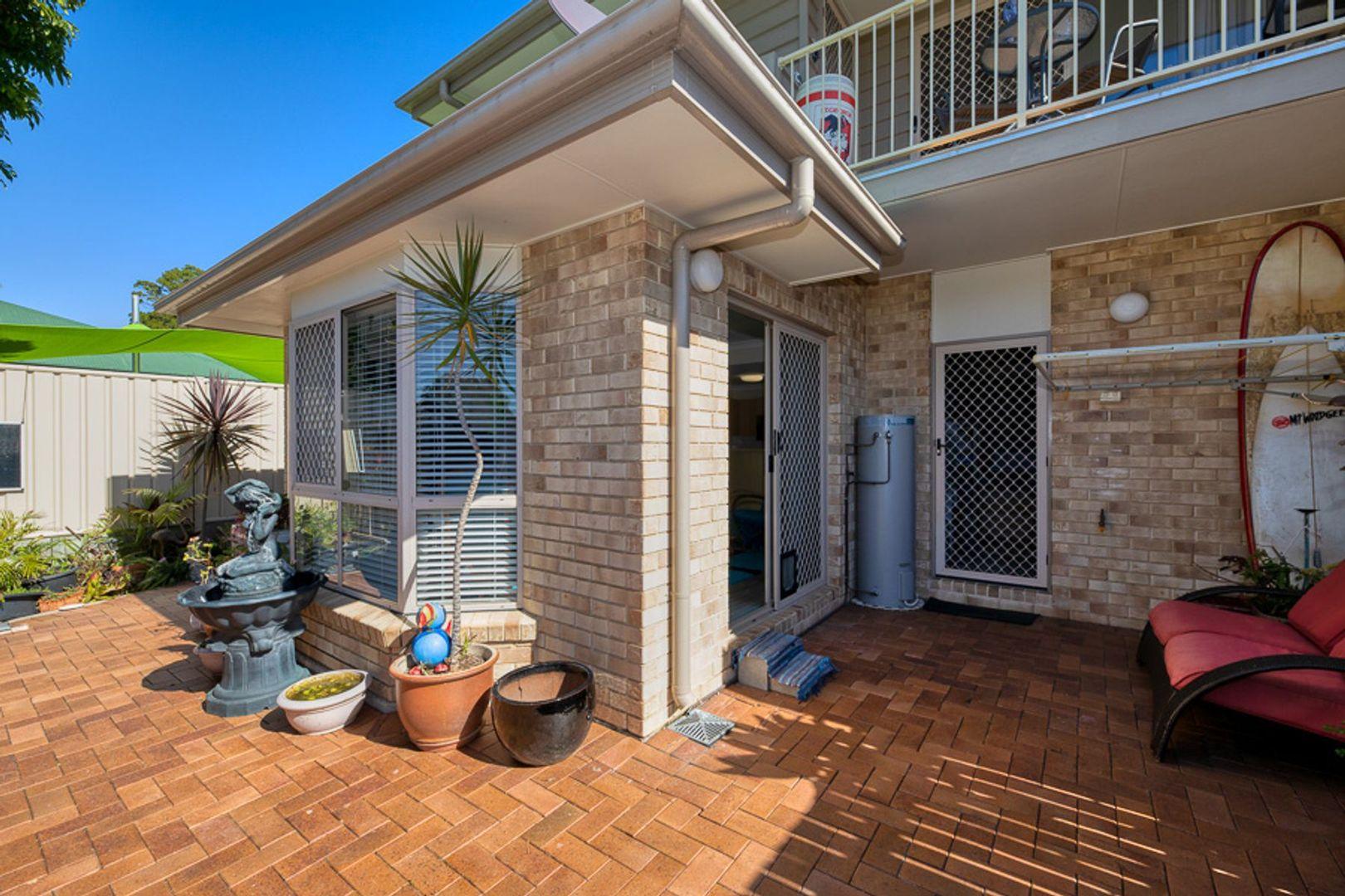 4/12 Fourth Avenue, Bongaree QLD 4507, Image 2
