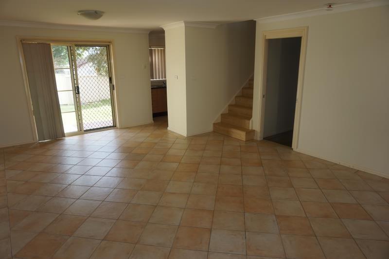 1/1 Lions Avenue, Lurnea NSW 2170, Image 2