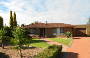 Picture of 13 Cobar Place, Kings Park VIC 3021