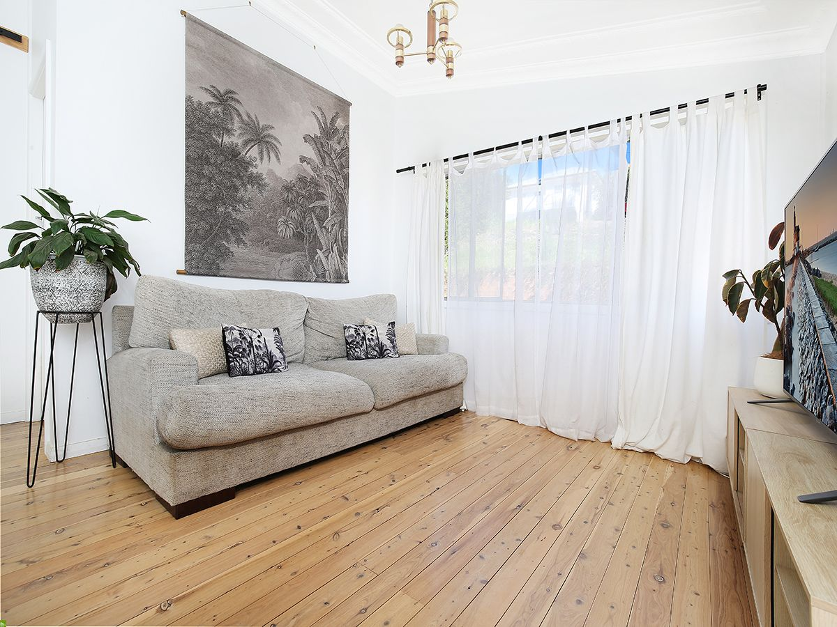 64 The Avenue, Mount Saint Thomas NSW 2500, Image 1