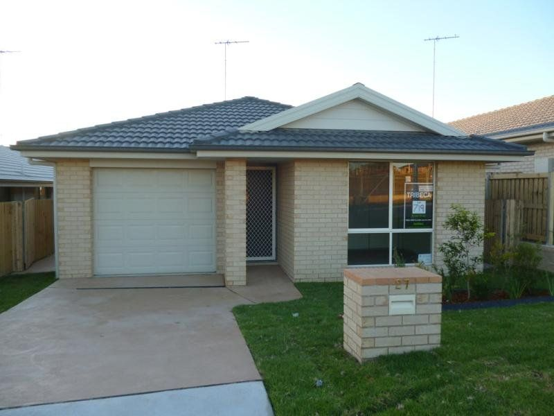 27 Blue View Terrace, Glenmore Park NSW 2745, Image 0