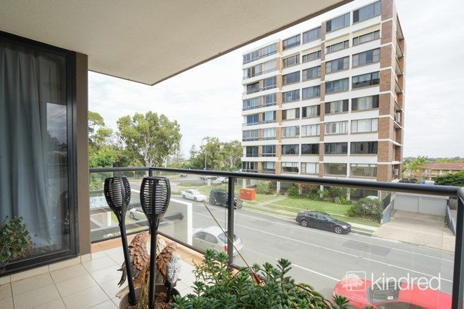 Picture of 4/55 Marine Parade, REDCLIFFE QLD 4020