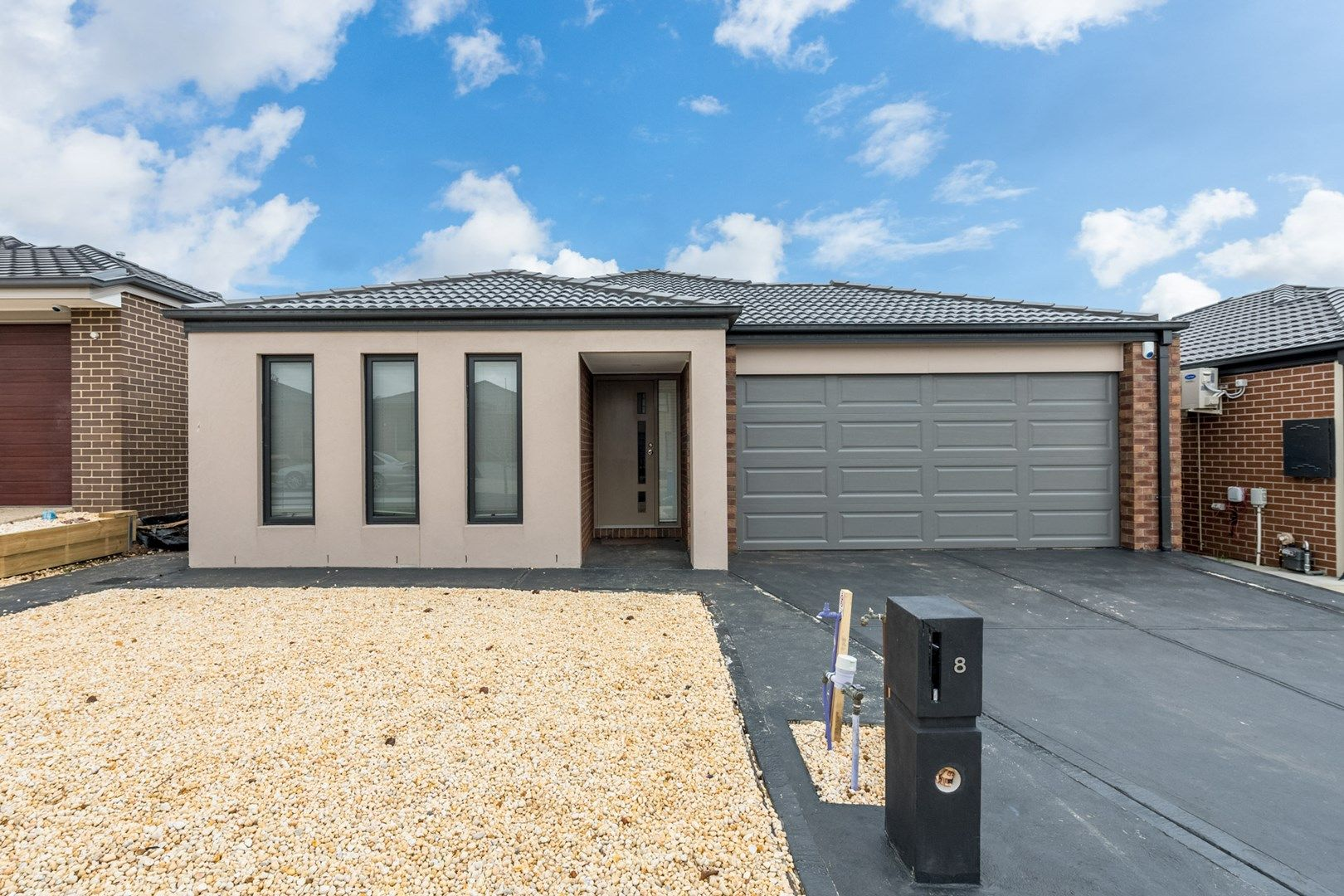 8 Cedarbank Court, Cranbourne East VIC 3977, Image 0