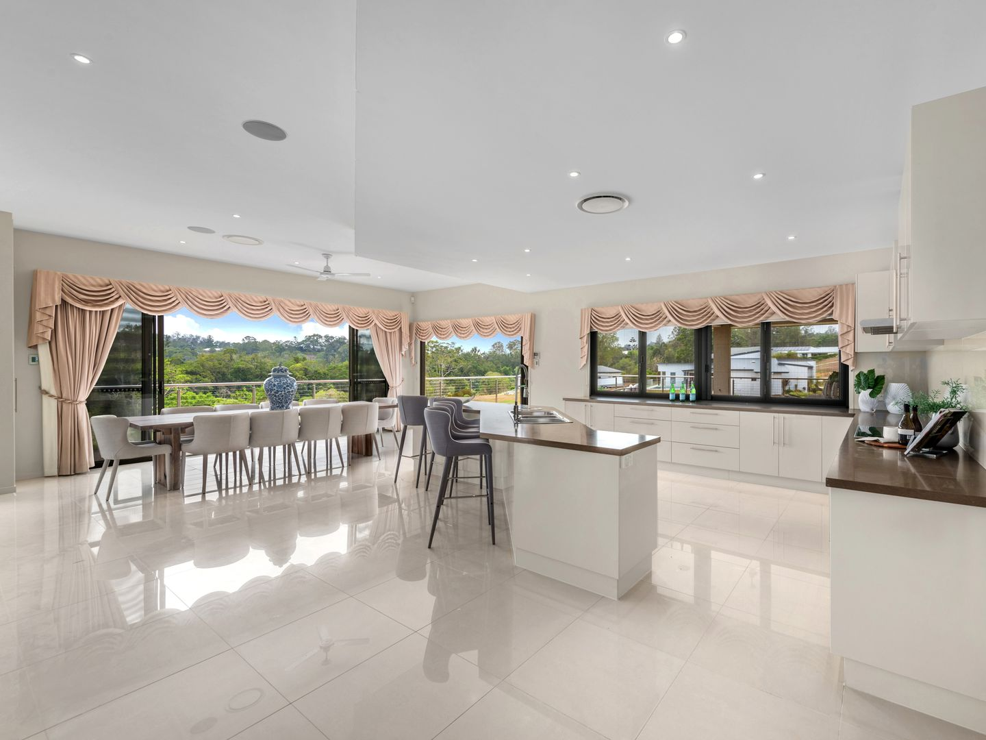 34 Currell Circuit, Samford Valley QLD 4520, Image 2