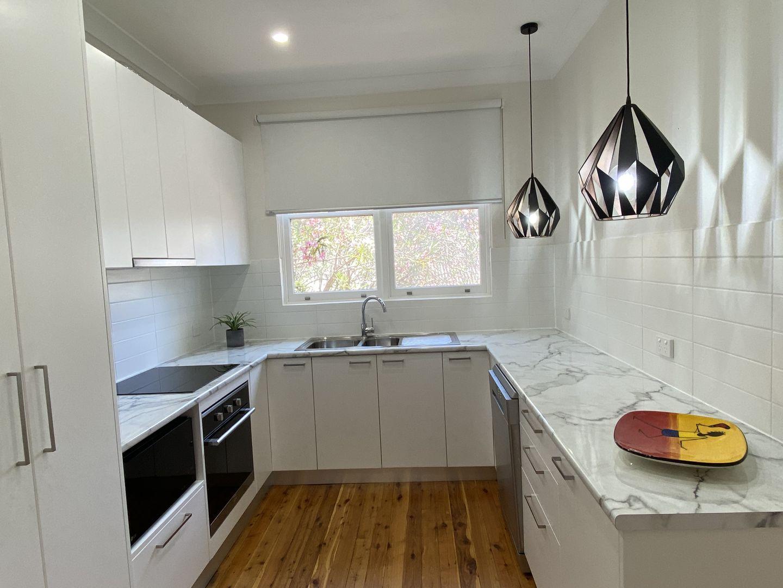 18 Bavarde Avenue, Batemans Bay NSW 2536, Image 2