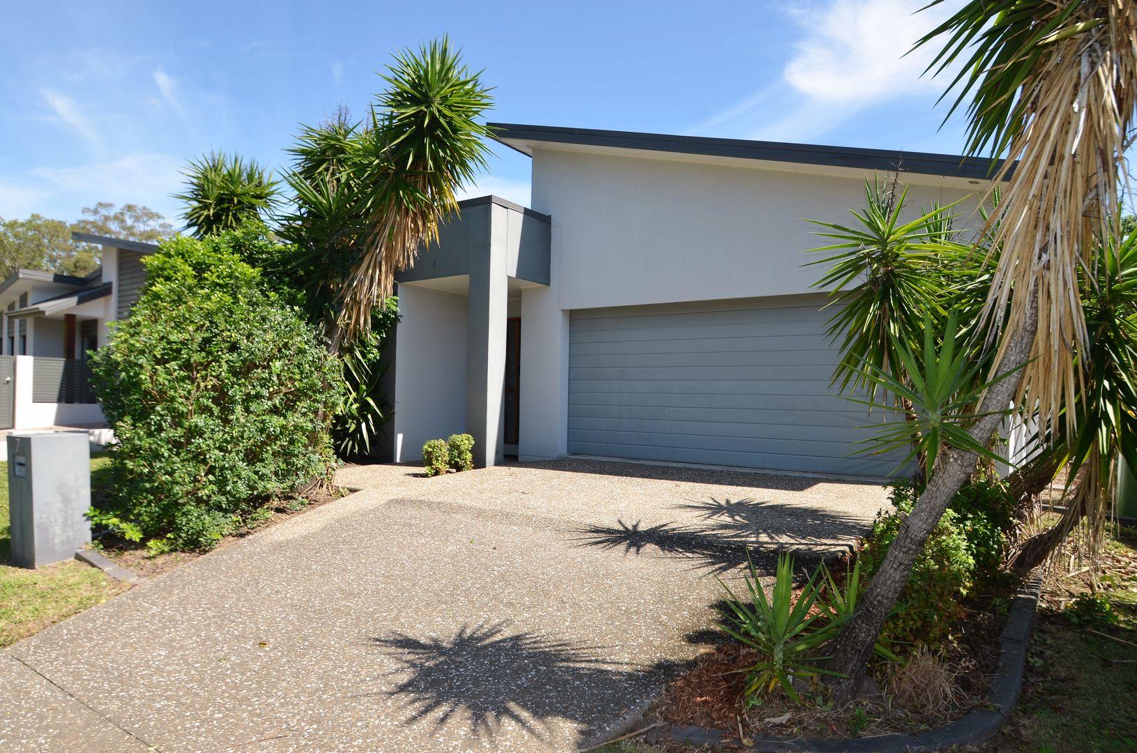 7 Laura Place, Varsity Lakes QLD 4227, Image 0