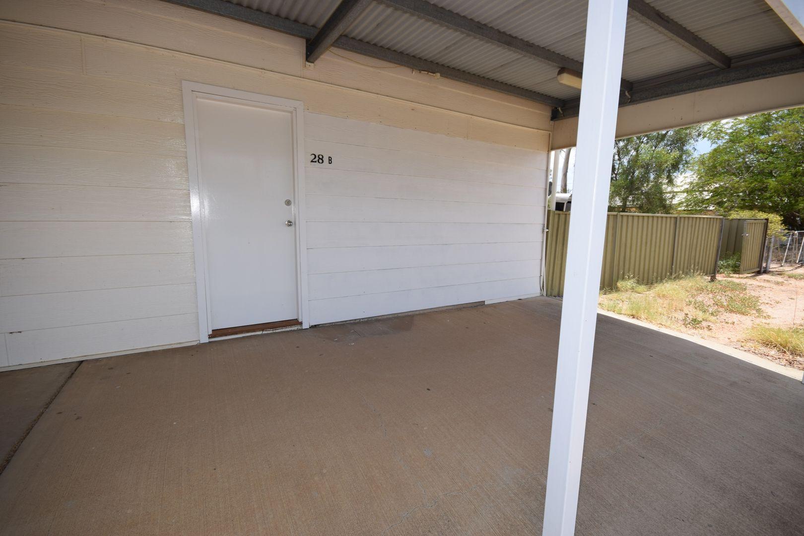 B/28 Pelican Street, Longreach QLD 4730, Image 2