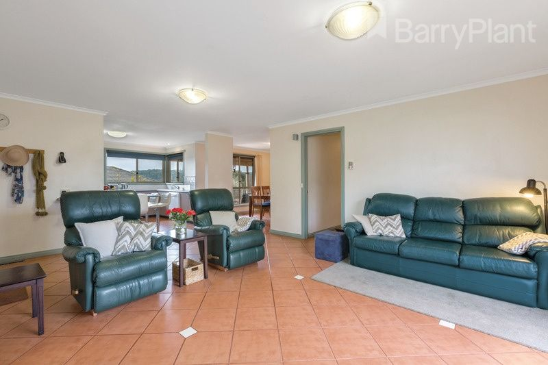 15 Botanic Drive, Ballarat North VIC 3350, Image 2