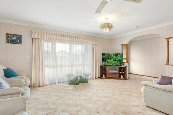 Picture of 52 Dolphin Avenue, TAREE NSW 2430