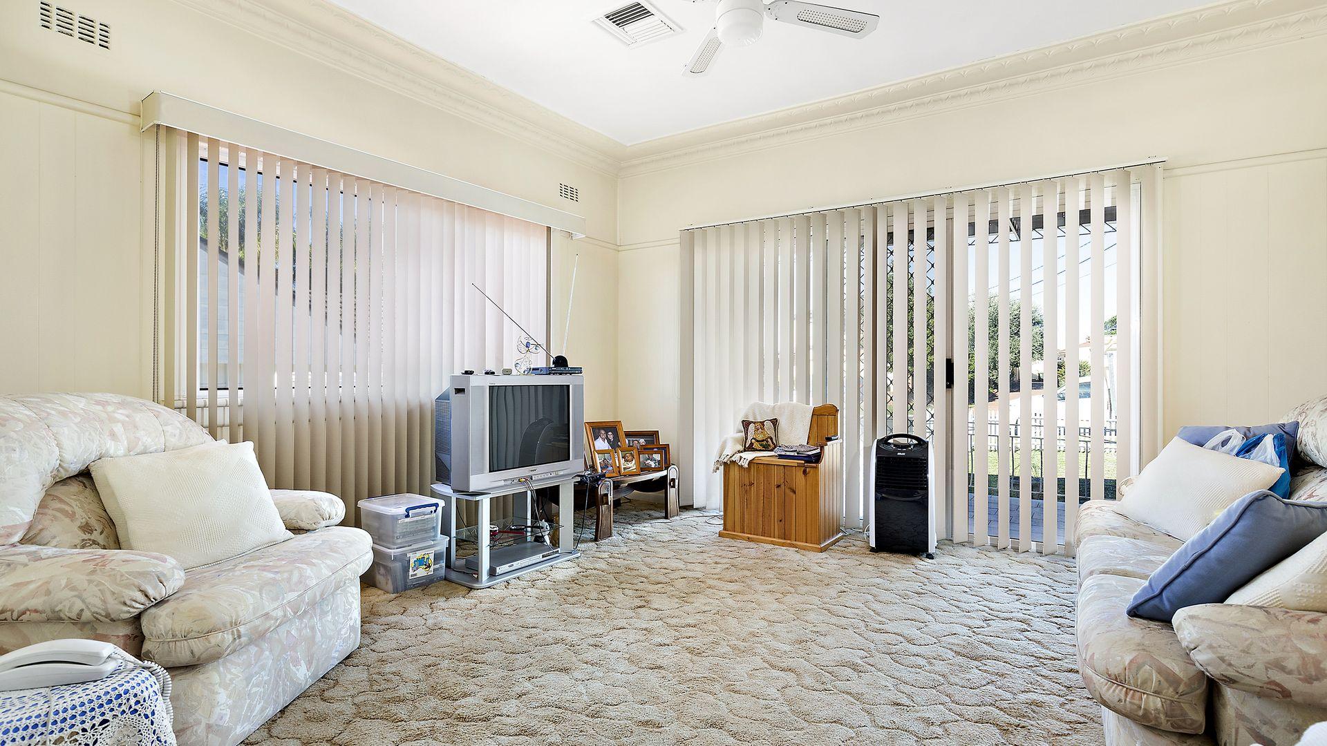 42 Holroyd Road, Merrylands NSW 2160, Image 2