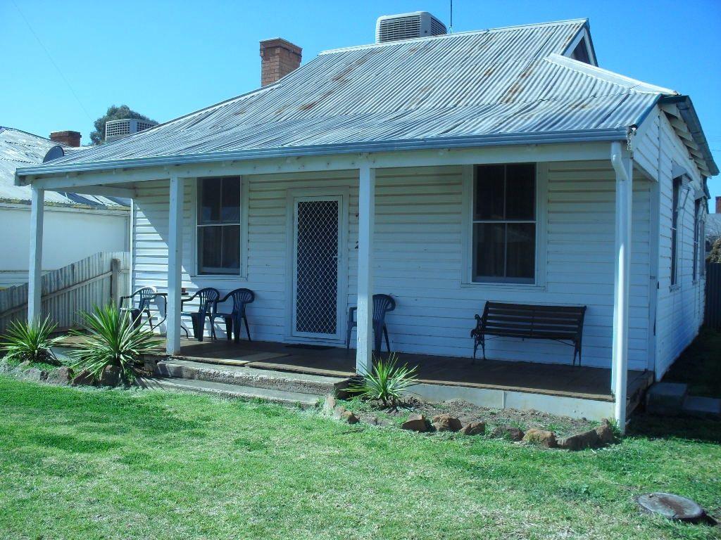 20 Cedar St, Leeton NSW 2705, Image 0