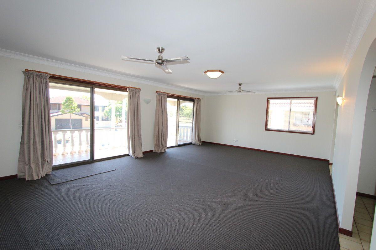 58 Abalone Avenue, Paradise Point QLD 4216, Image 1