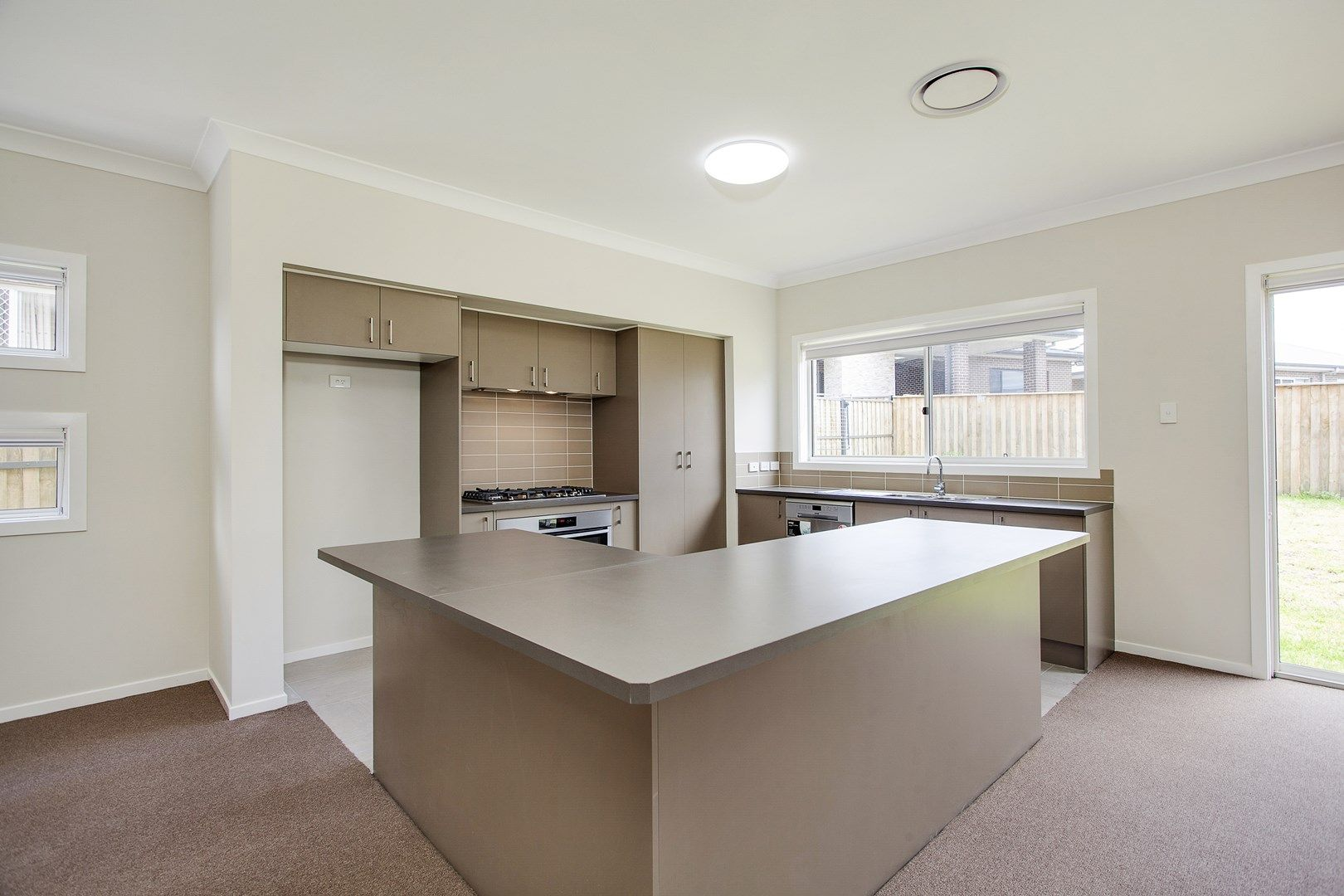 6 Bridgewater Crescent, Beaumont Hills NSW 2155, Image 1