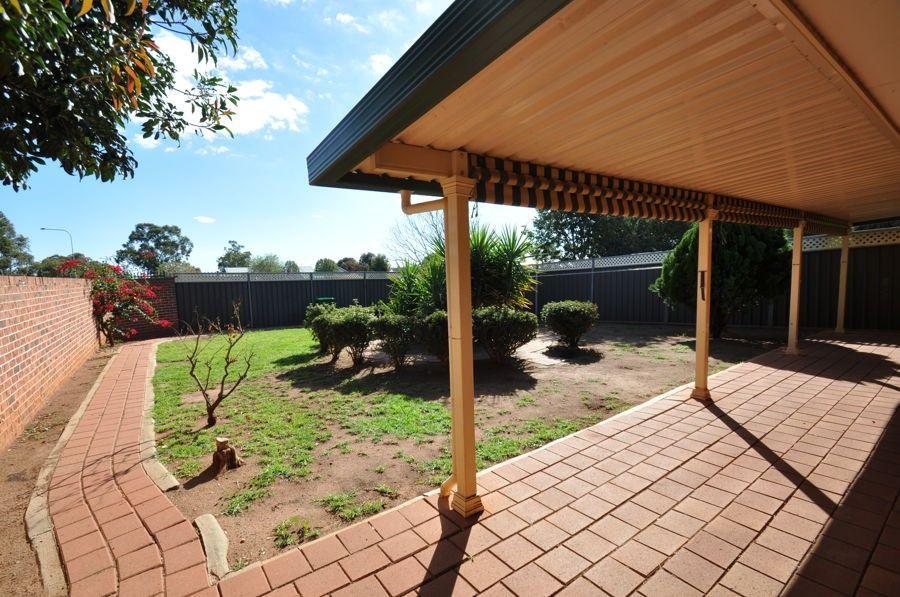 105 Websdale Drive, Dubbo NSW 2830, Image 2