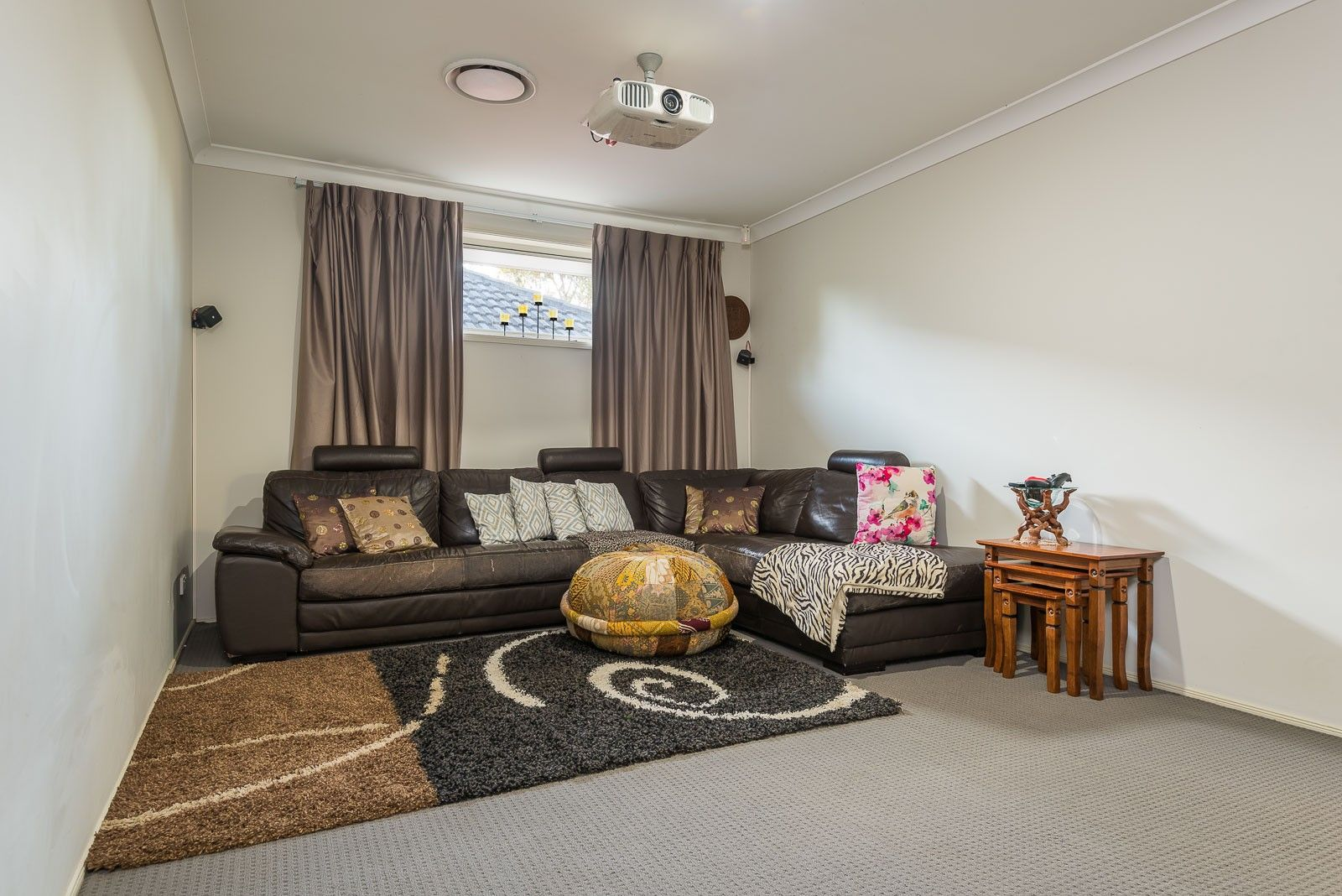 21 Petunia Place, Macquarie Fields NSW 2564, Image 1