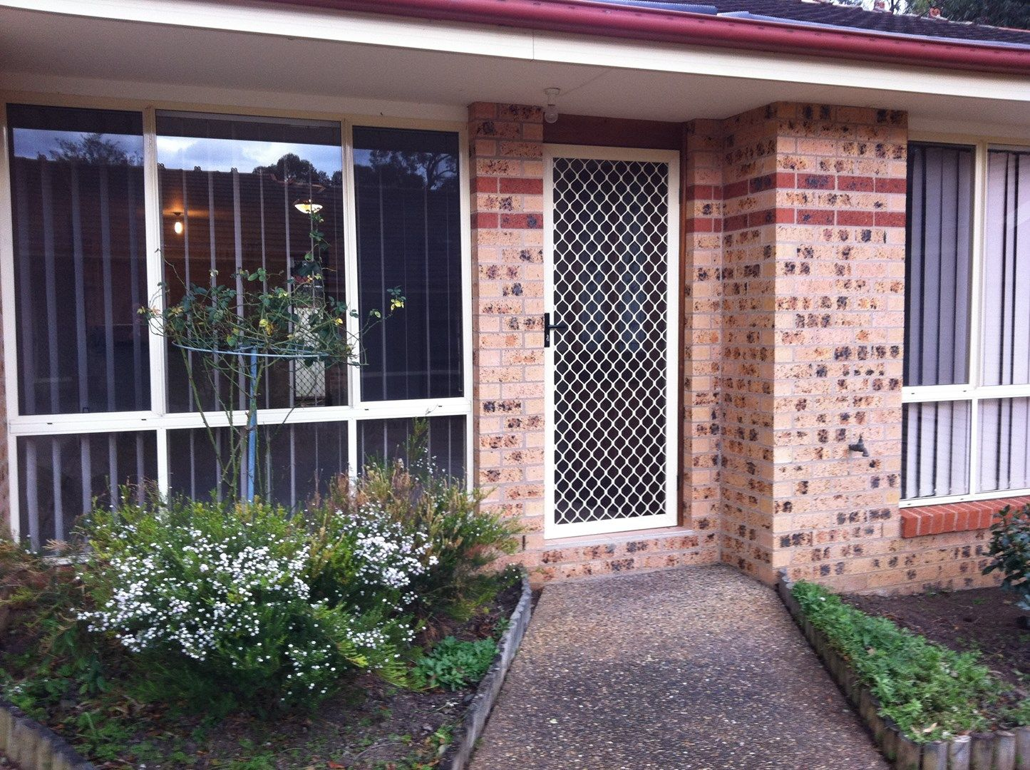 2/2 Carisbrooke Close, Bomaderry NSW 2541, Image 0